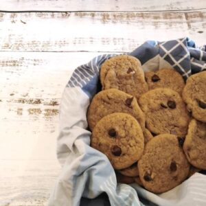 Read more about the article Chocolate Chip Cookies with Oil {Dairy Free + No Mixer}