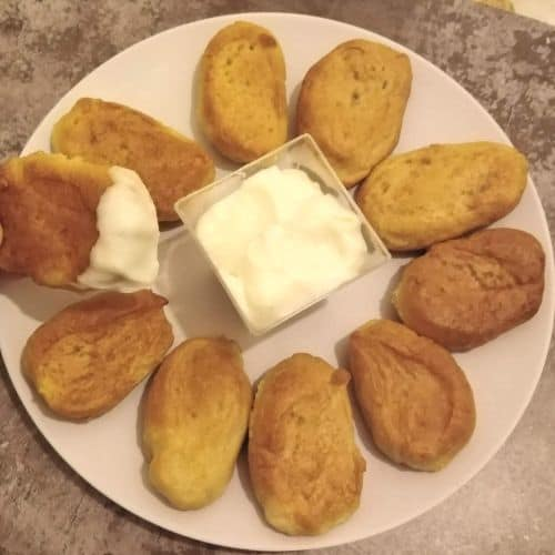 Soft Pretzel Bites with Creamy Cheese Sauce (Soft Pretzel Recipe)